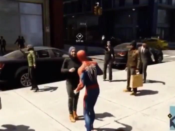 Hijabers menolak dipeluk Spiderman. Foto: (Dok. Sony/Insomniac Games)
