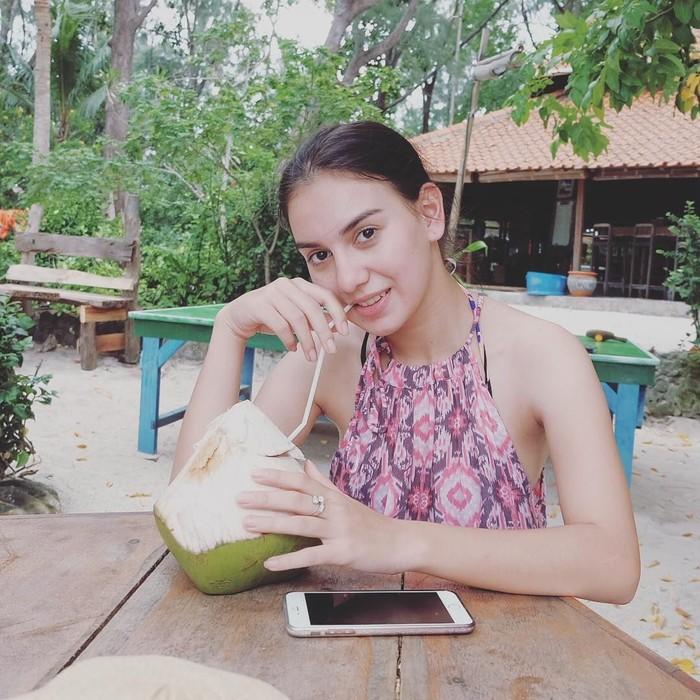 Tak hanya piawai berakting, Ibel, sapaan akrab dara kelahiran Cirebon, 23 April 1996 ini juga sangat menjaga kesehatan tubuhnya. (Foto: Instagram/_irishbella_)