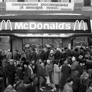 Pertama Kali McDonalds Buka di Rusia