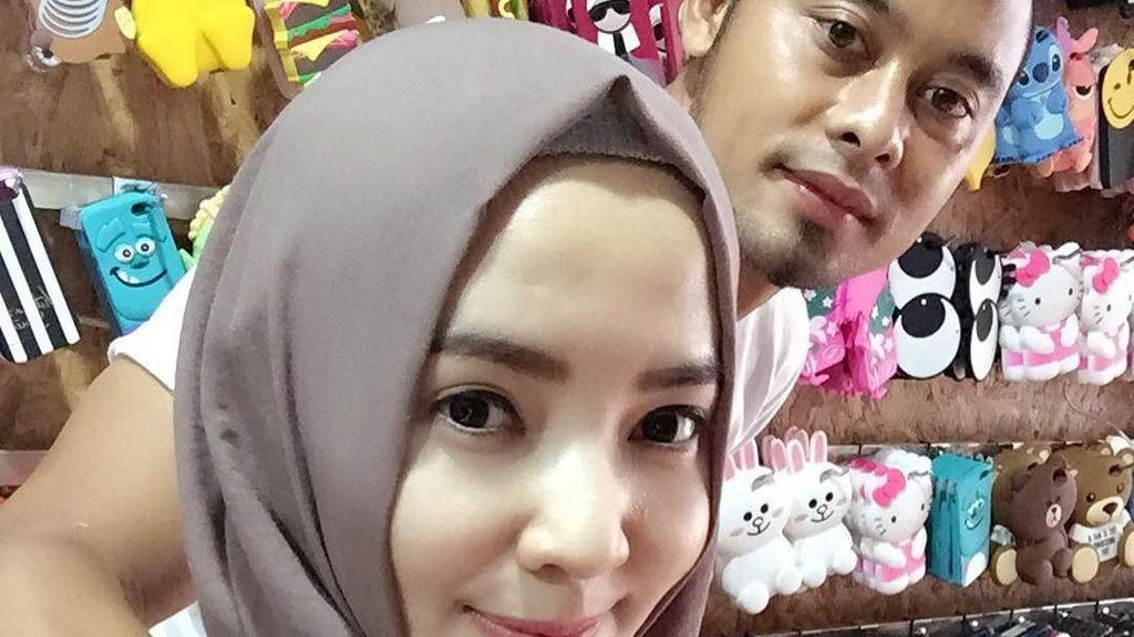 Jadi Selebgram Hijab, Ini Istri Kapten Tim Persib Bandung yang Geulis Pisan