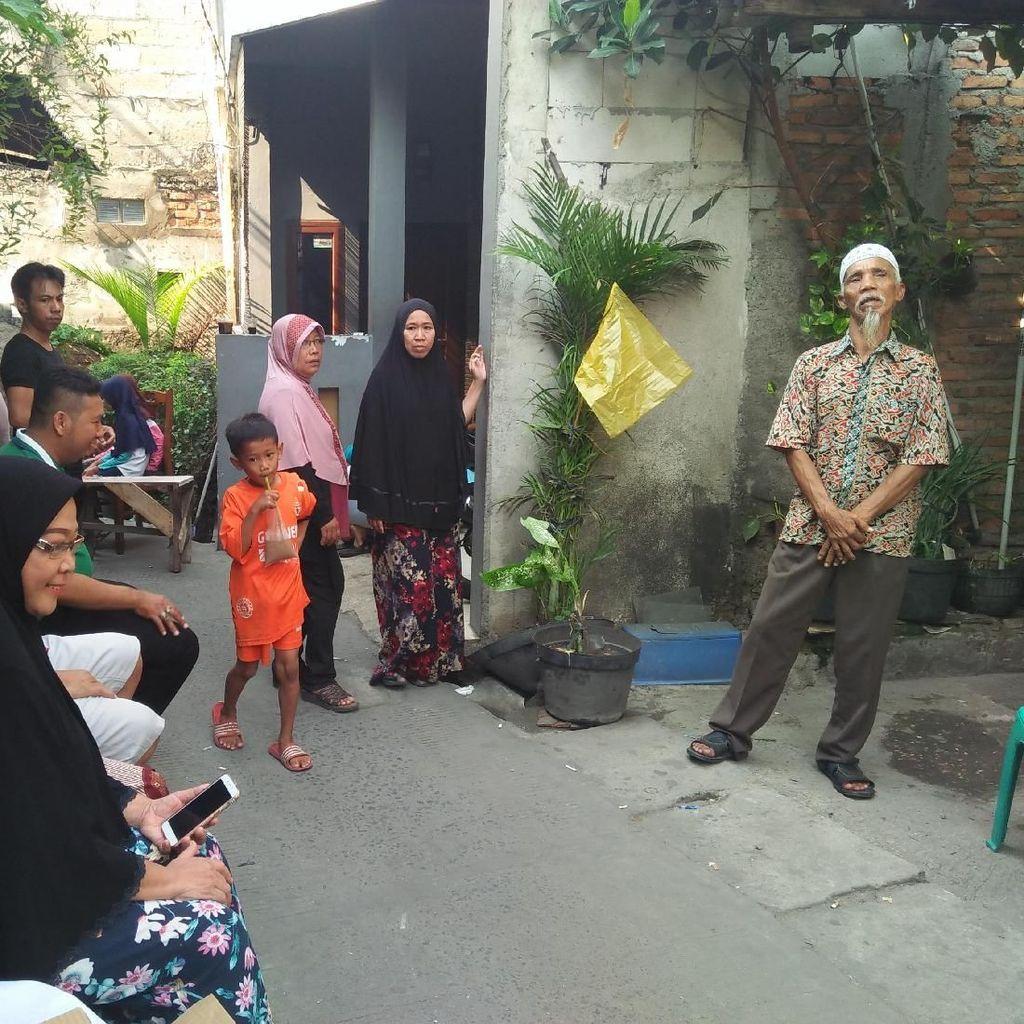 Pelayat Datangi Rumah Suporter Persija Korban Pengeroyokan Bobotoh