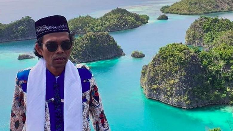 Ustadz Abdul Somad di Pianemo, Raja Ampat (ustadzabdulsomad/Instagram)