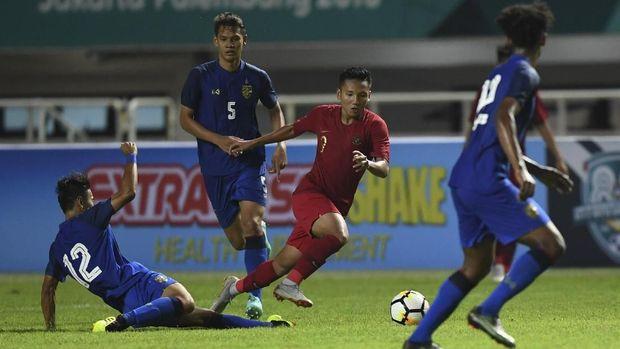 Timnas Indonesia harus puas bermain imbang lawan Thailand di laga perdana.