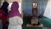 Mengunjungi Makam RMP Sosrokartono, Sang Jenius Kakak RA Kartini