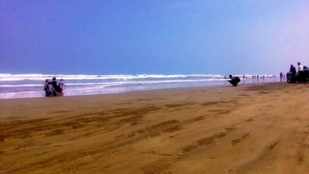 Yuk Main ke Pantai Bagedur Banten