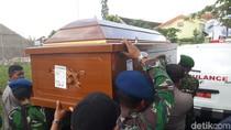 Jenazah Adik Ipar Jokowi Tiba di Rumah Duka