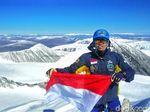 2 Mahasiswa UMS Sukses Capai Puncak Khuiten Mongolia