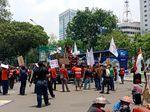 Hari Tani Nasional, Massa Gelar Demo di Dekat Istana
