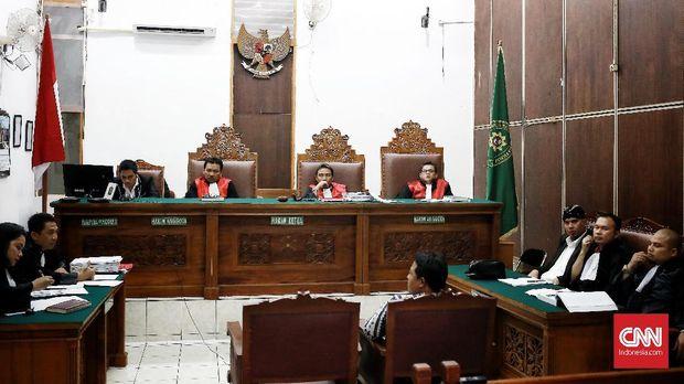 Salah satu sidang kasus pidana di Pengadilan Negeri Jakarta Selatan, yakni sidang ujaran kebencian dengan terdakwa politikus Partai Gerindra Ahmad Dhani, 24 September.