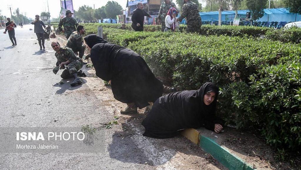 Iran Tangkap 22 Orang Terkait Serangan Parade Militer