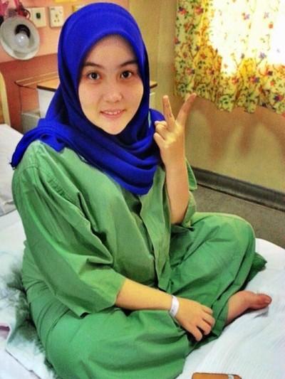 Nur Ezzati Mohammad Salleh menceritakan kisahnya saat dirinya dipaksa mengaku hamil karena perutnya yang besar.Foto: Dok. Twitter  @nrezzxti