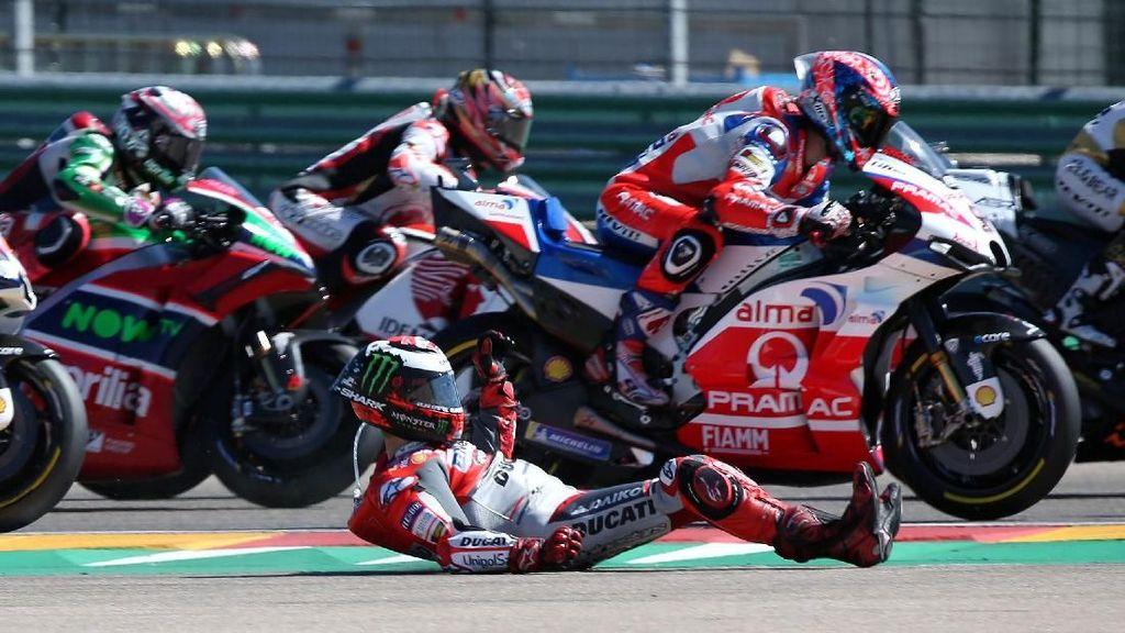 Momen Lorenzo Crash di Tikungan Pertama MotoGP Aragon
