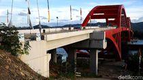 Sore di Pantai Holtekamp, Mengamati Kemajuan Proyek di Batas Negara