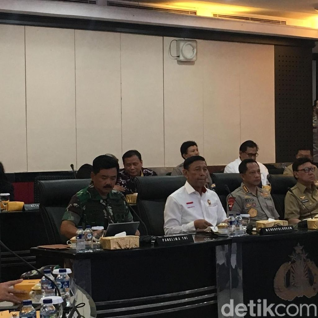 Kapolri-Panglima Dampingi Wiranto Vicon Pengamanan Pemilu