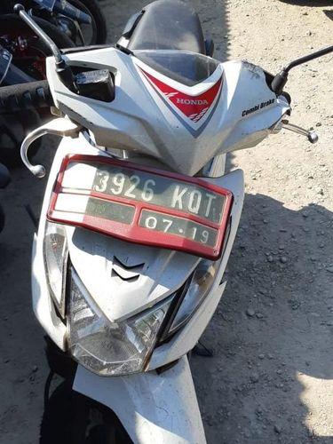 Sepeda motor korban yang ditabrak angkot