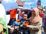 Ribuan Guru Honorer se Kabupaten Blitar Kompak Mogok Massal