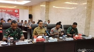 Anies, Kapolda Metro dan Pangdam Jaya Rapat Pengamanan Pemilu 2019