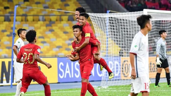 Timnas Indonesia U-16 tengah tampil di Piala Asia U-16 2018, netizen pun kompak mendukungnya. Foto: Adam Aidil Padali/AFC
