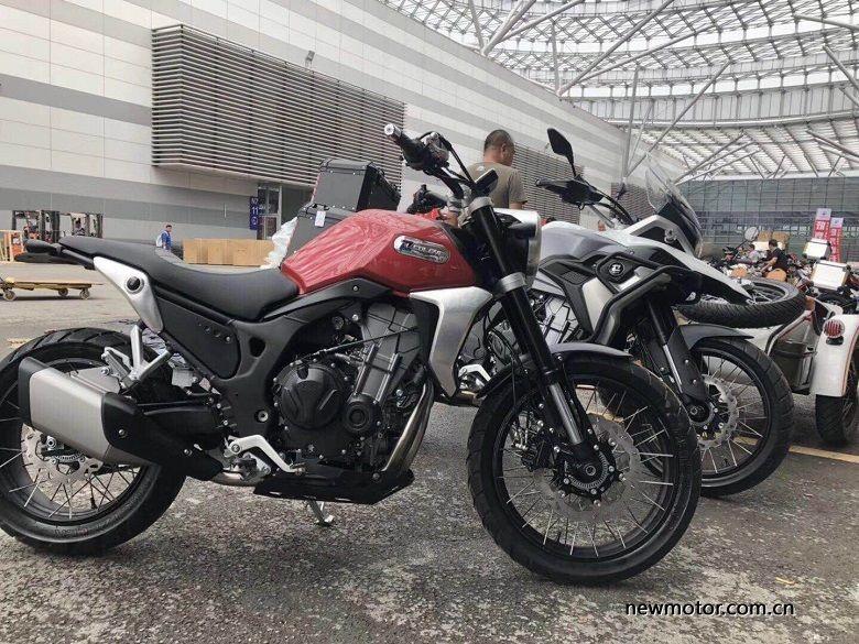 Honda CB250R versi bajakan. Foto: Newmotor.com.cn