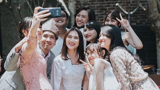 Kinal Eks JKT 48 Resmi Dilamar Anak Metal