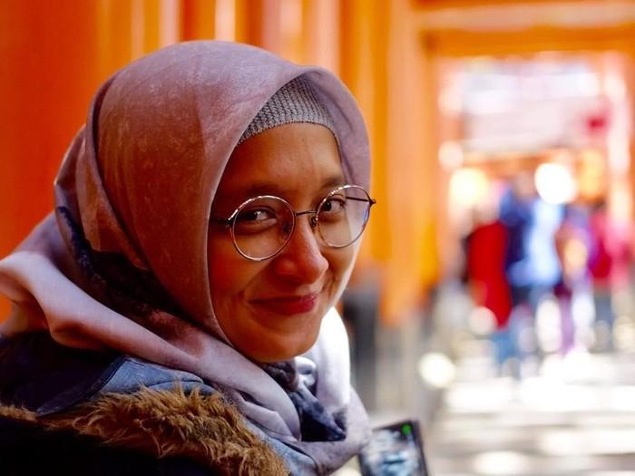Adelia Lontoh istri Duta Sehile on 7 berhijab sejak 2017. Foto: Instagram
