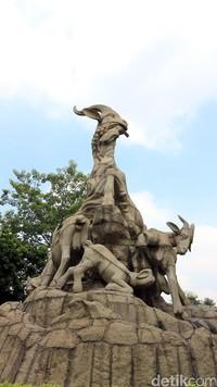 Usut punya usut, julukan ini terkait dengan Legenda 5 Orang Suci yang datang ke Guangzhou naik kambing, lebih dari 2.000 tahun lalu. Guangzhou yang dulu miskin dan tandus, berubah jadi makmur setelah diberkati dan ditinggalkan 5 kambing oleh mereka. (Andini/detikTravel)
