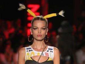 Model dengan Tiga Payudara Curi Perhatian di Milan Fashion Week