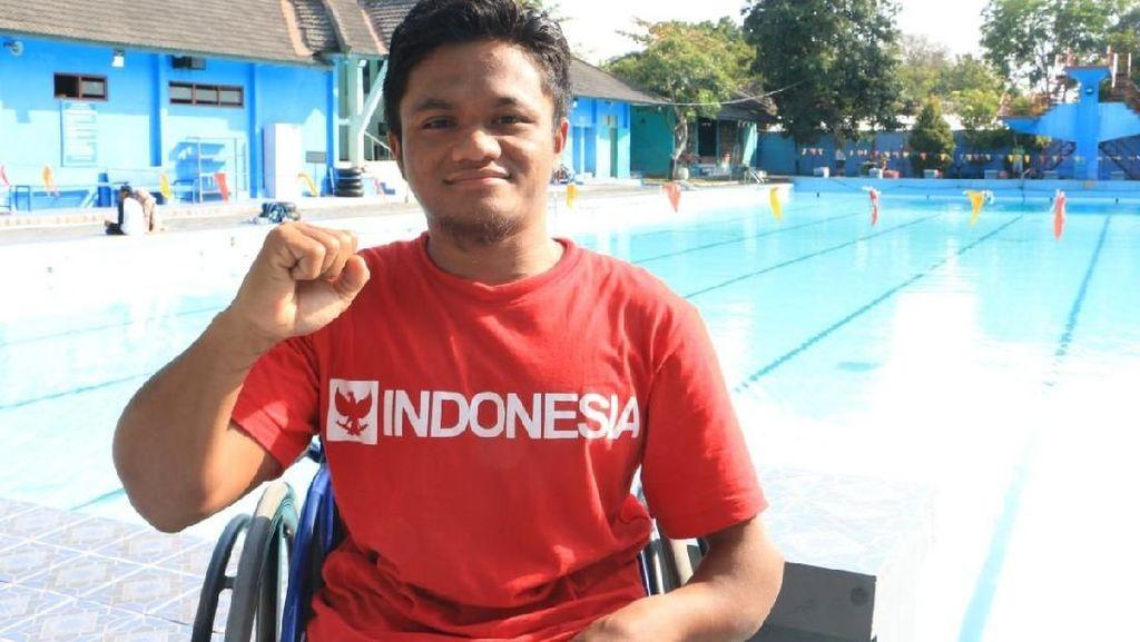 Mulyadi, Atlet Renang Asian Para Games yang Belajar di Sungai