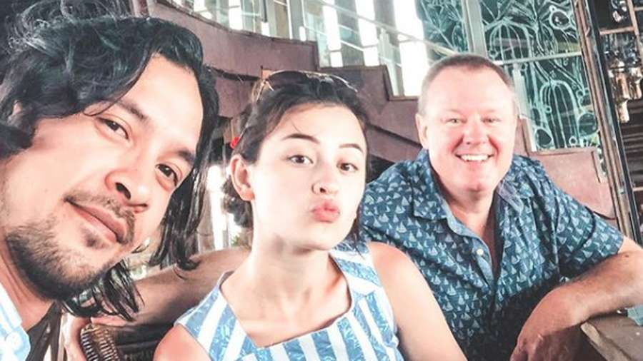 Kejutan di Balik Foto Mesra Honeymoon Kimberly Ryder dan Edward Akbar