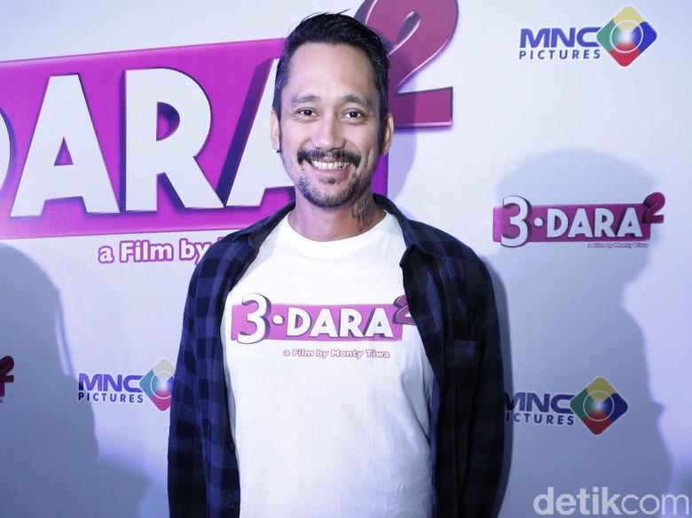 Terbiasa Jadi Bapak Rumah Tangga, Tora Sudiro Tak Sulit Main di 3 Dara 2