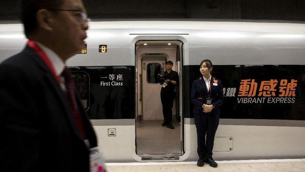 Terbesar di Dunia, Kereta Cepat Hong Kong-China Resmi Operasi