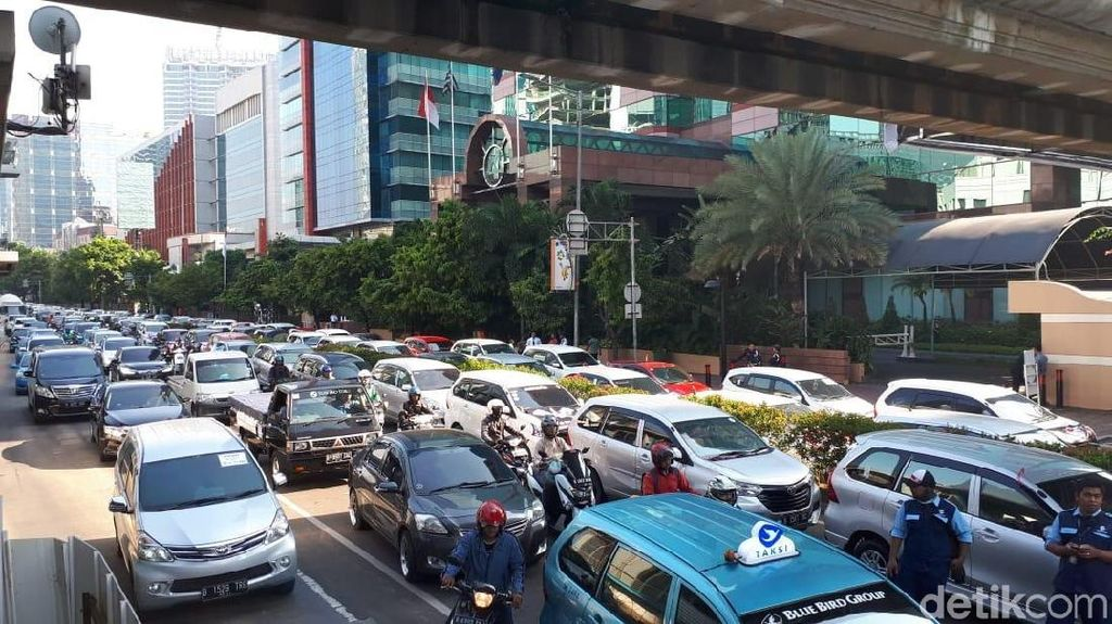 Aliando Demo, Macet di Rasuna Said dari Jl Denpasar