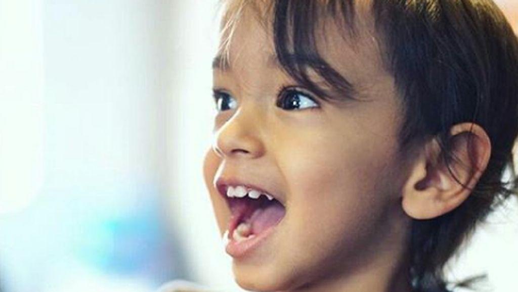 Imutnya Keponakan Aktor Bollywood Salman Khan, Ahil Sharma