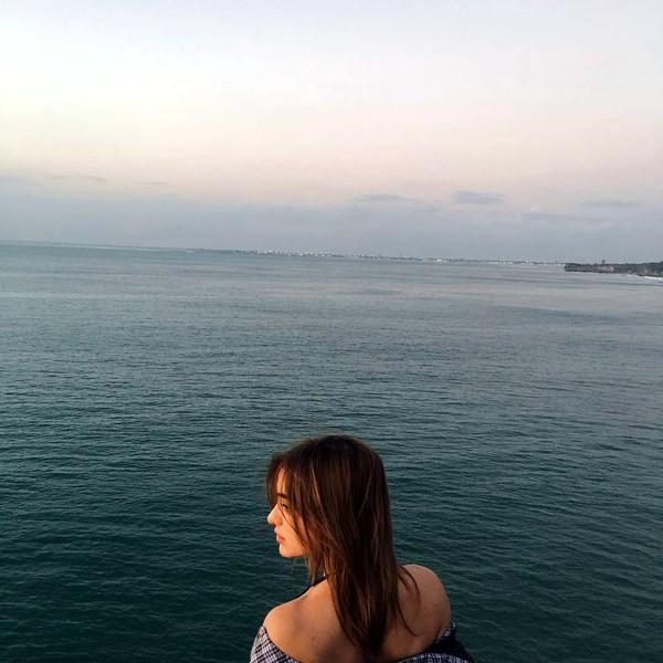 Di sela-sela kesibukannya, gadis kelahiran 12 November 1994 ini masih sempat menikmati keindahan Pulau Dewata. (Instagram/@ncdpapl)