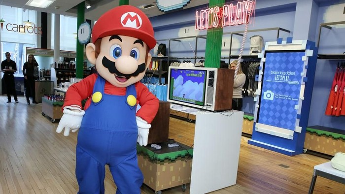 Kerja sama dengan Line, Nintendo menggarap game mobile baru bertema Mario. (Foto: Monica Schipper/Getty Images for Bloomingdales)