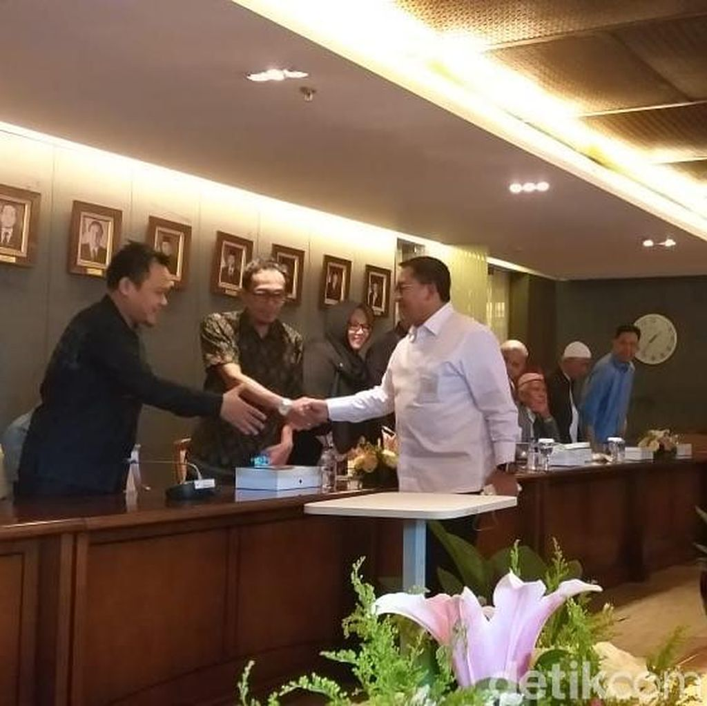 Arab Saudi Cegah Habib Rizieq ke Malaysia, Fadli Zon Turun Tangan