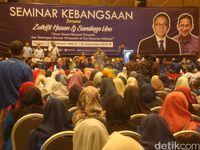 Acara seminar kebangsaan yang diisi Zulkifli Hasan dan Sandiaga Uno di Purwokerto.