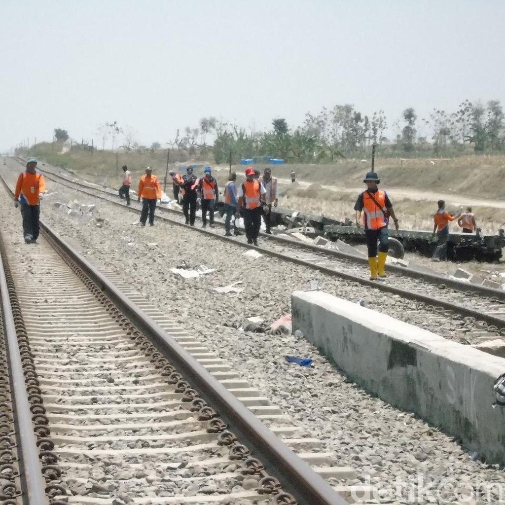 Jalur Ganda TKP Anjloknya KA Barang di Grobogan Sudah Bisa Dilalui