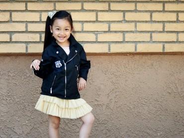 Malea Emma belajar menyanyi sejak usia 1 tahun. Ketika diminta menyanyikan lagu kebangsaan AS Malea Emma bilang tak ingin membuat lagunya berantakan. Totalitas banget ya Malea. (Foto: Instagram/maleaemma)