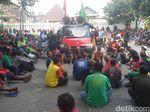 Pengemudi Bentor Demo Minta Izin dan Tempat Mangkal di Malioboro