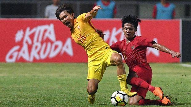 Timnas China dua kali menang di turnamen segitiga.