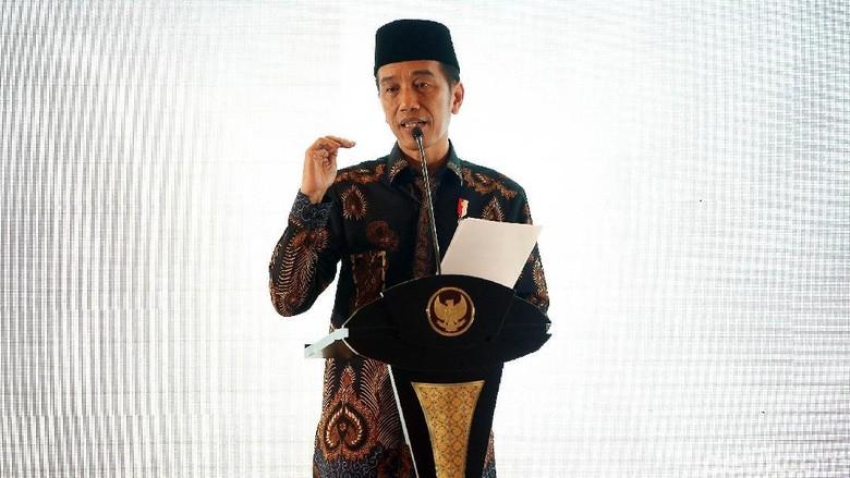 Geger Jokowi Bicara Genderuwo Berpolitik