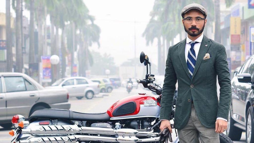 Potret Wak Doyok, Kuli Bangunan yang Jadi Fashionista Tajir karena Brewok