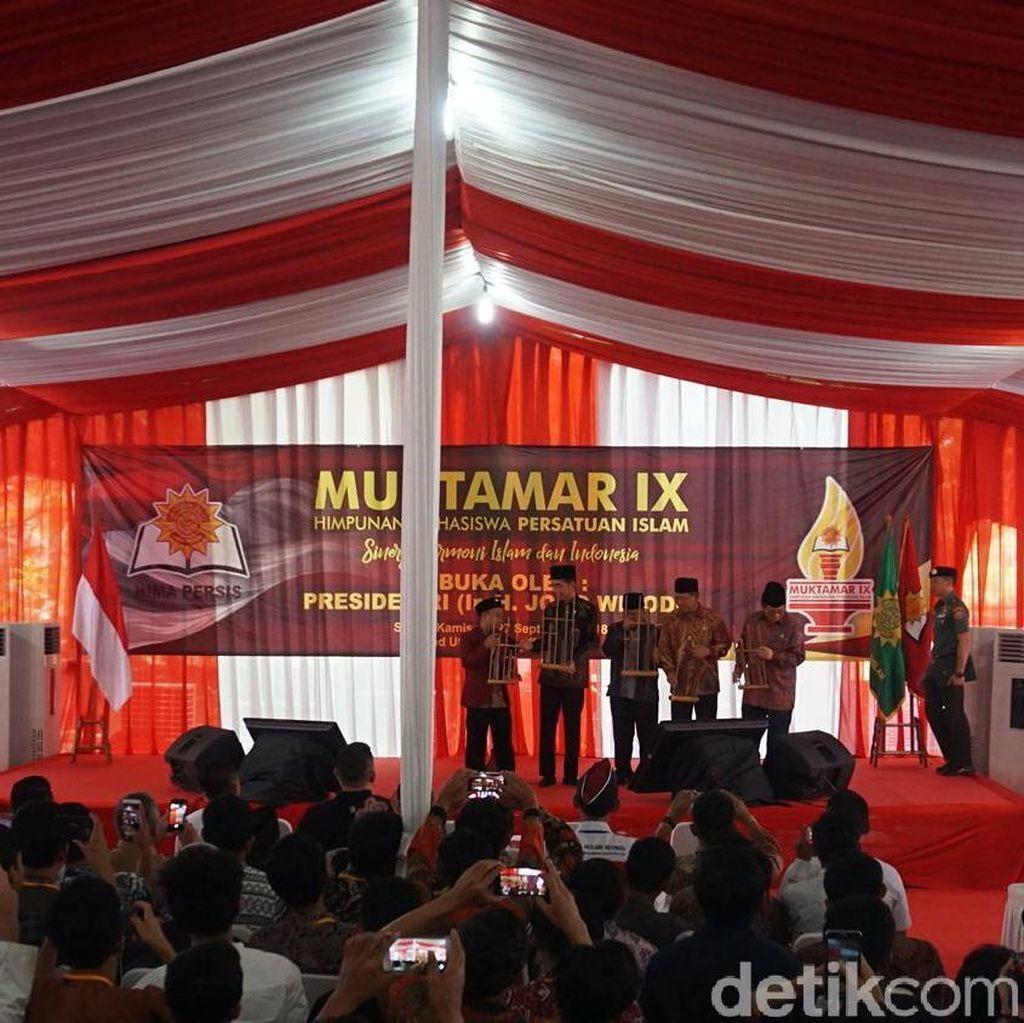 Di Muktamar Hima Persis, Jokowi Janji Realisasikan Rusun