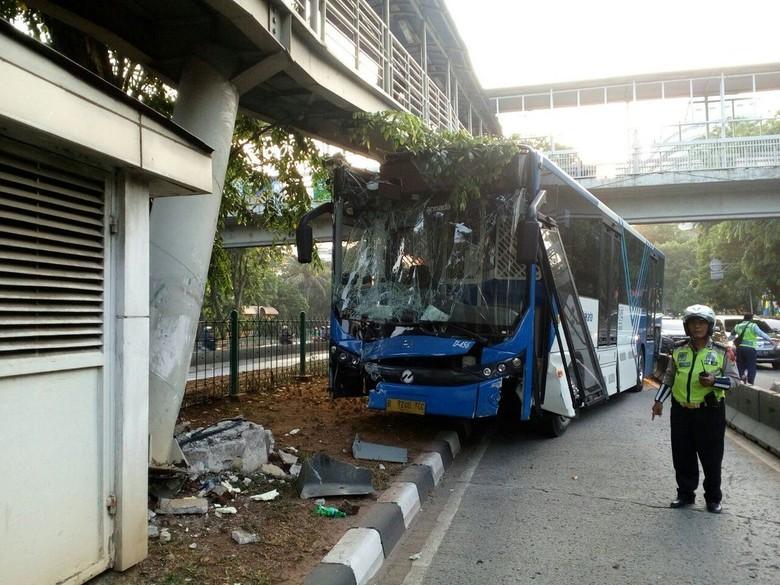 TransJ Yang Kecelakaan di JPO Tak Berpenumpang