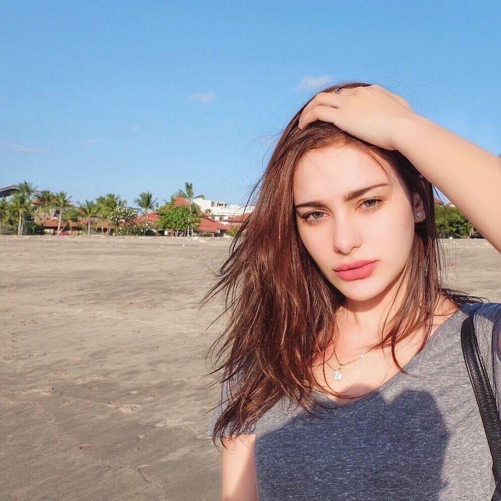 Siapa Nora Alexandra, Model yang Katanya Pacar Baru Jerinx?