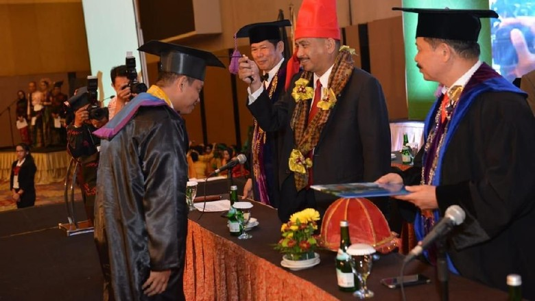 Menpar Arief Yahya di wisuda STP NHI Bandung (dok Kemenpar)