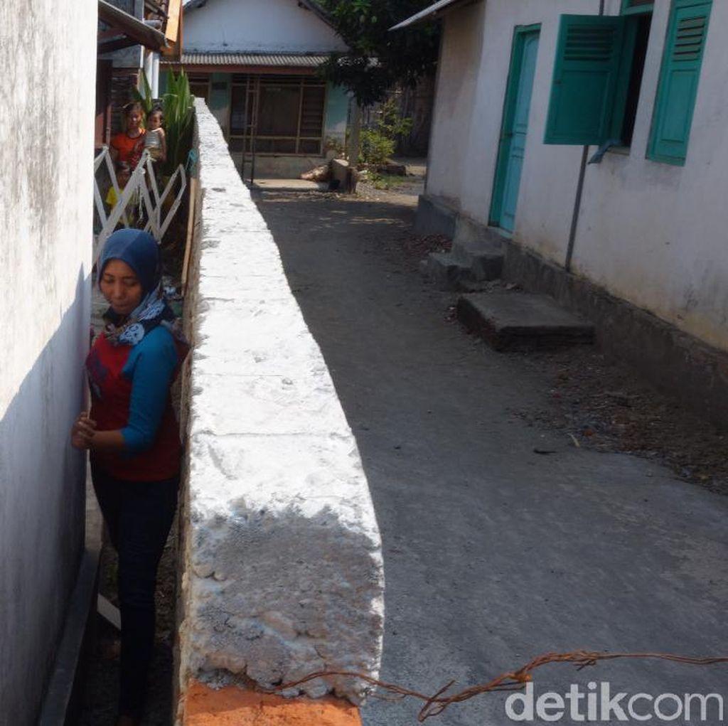 Cekcok yang Berujung Blokade Pagar Tembok