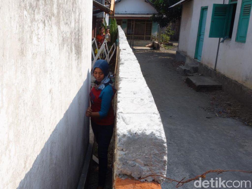 Kacau! Akses Rumah Ditutup Tembok Tetangga