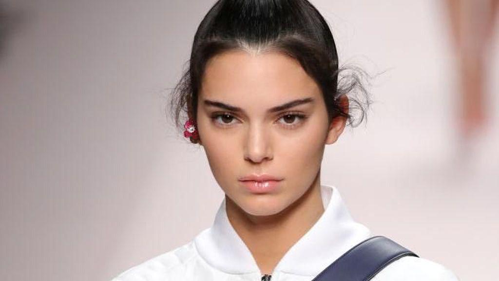 Tajir Melintir, Kendall Jenner Beli Rumah Emily Blunt Seharga Rp 97 M